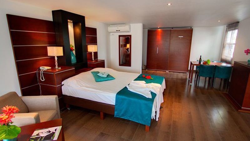 Choose one of our comfortable Grand Suites